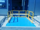 Platforma nożycowa przeładunkowa z barierkami